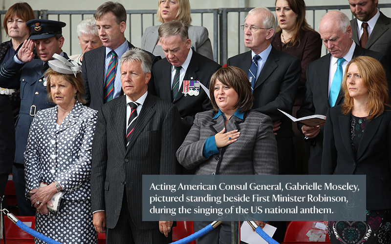 lisna 9H0A4296-Acting-American-Consul-Taking-Pledge-Beside-First-Minister