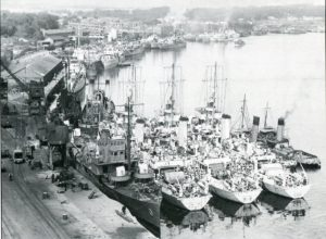 U - Warships of the Allied Nations, including US Navy at Londonderry